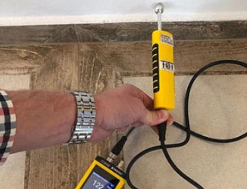 Měření vlhkosti pozatečení do podlahy stepelnou izolací